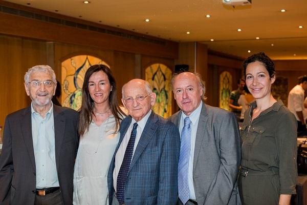 El Professor O. Kernberg (al Mig), Amb Els Supervisors En TFP, A. Icart, Mª J. Rufat, J. Vegué I B. Tarragona Del Grup-TLP Barcelona